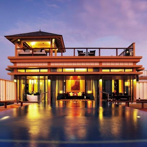 In-Ocean Pool Villa at night, Angsana Velavaru, Maldives